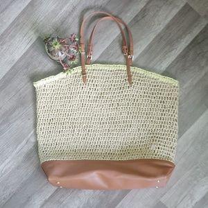 Ann Taylor slouchy straw bag